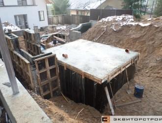 Строительство погреба на объекте в Криничном