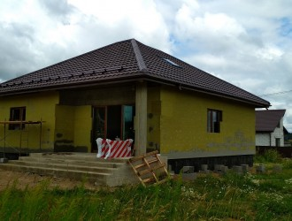 Строительство одноэтажного жилого дома с хозпостройкой в поселке Чуденичи